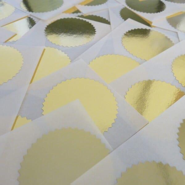Notariszegel rol van 1000 stuks; diameter: 40 mm (goud)